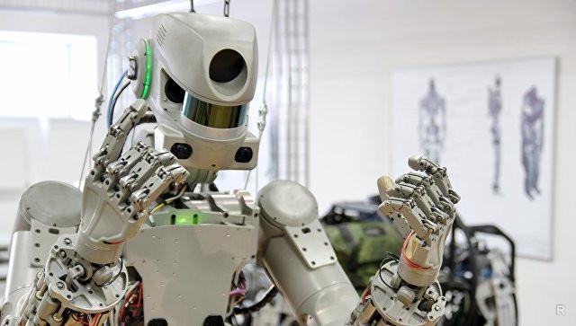 """Робот Фјодор ће управљати космичким бродом """"Федерација"""""""