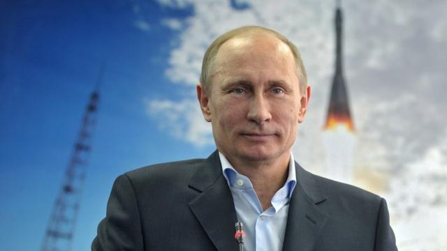Путин: Русија наставља са повећањем комсичког потенцијала