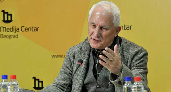 Бећковић: Сваки окупатор је забрањивао ћирилицу