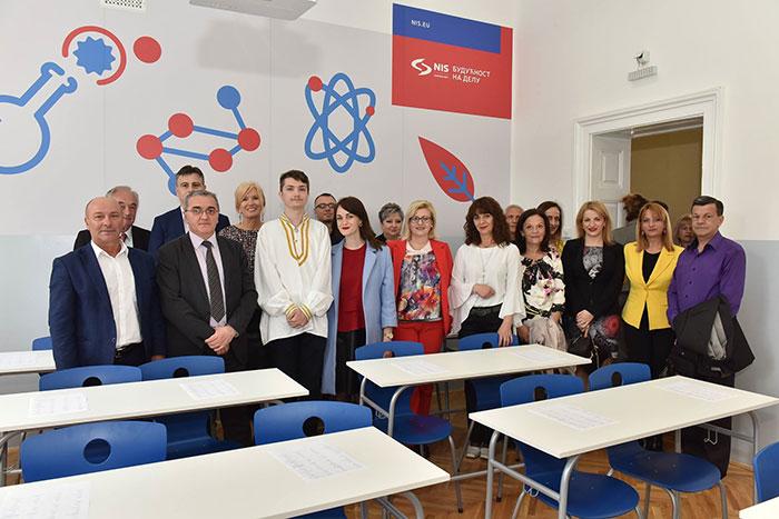 Гимназија у Пироту добила учионицу за руски језик уз подршку НИС-а