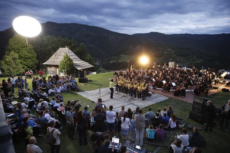 """Емир Кустурица и """"Гаспром њефт"""" организују шести музички фестивал """"Бољшој"""""""