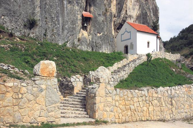У пећини Хаџи Продана ЛЕД расвета