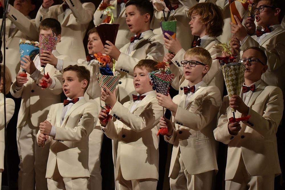 Овације за руски хор