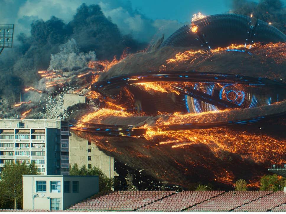 """""""Инвазија"""": Рвање Руса са ванземаљцима и Шварценегером"""