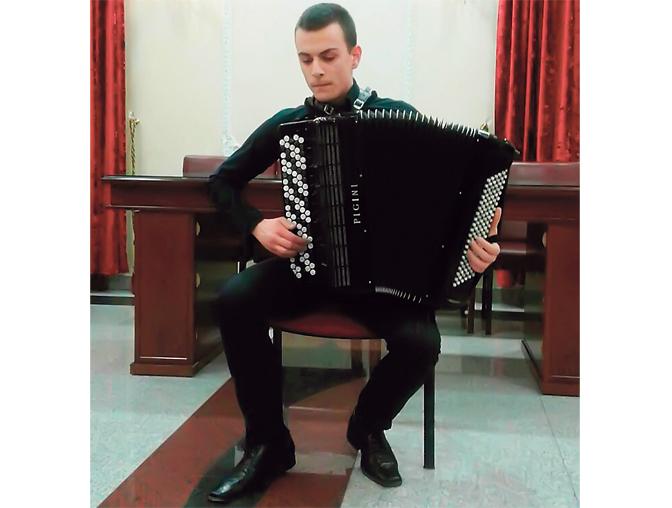 Хармоникаш из Лазаревца у Русији овенчан првом наградом