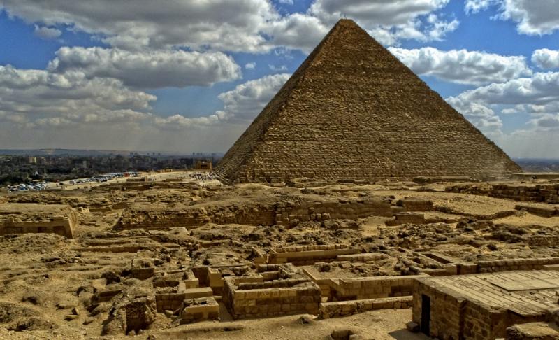Археолози пронашли нове доказе о градњи Кеопсове пирамиде
