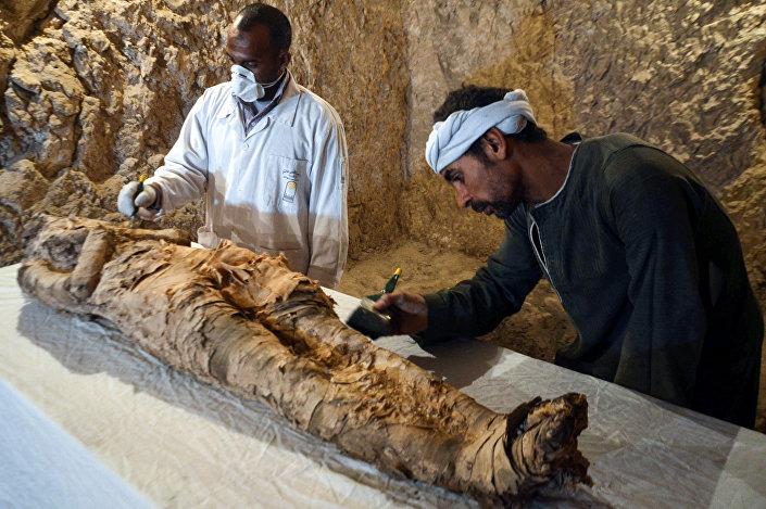 Египатски археолози пронашли мумију за коју верују да је стара око три и по миленијума