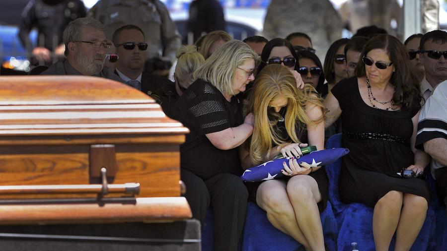 "РТ: Дигитална бесмртност? Погребна агенција жели да ""оживи"" мртве кроз вештачку интелигенцију"