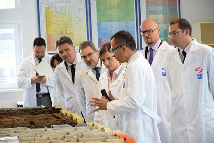 Председница Владе Србије у посети Научно-технолошком центру НИС-а