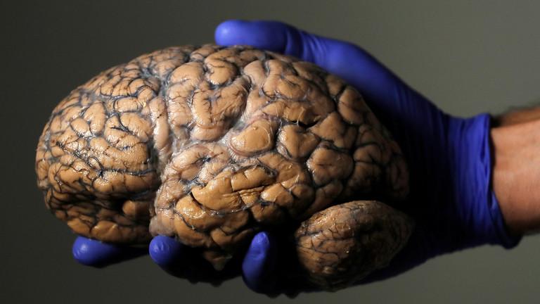 РТ: Изведена прва на свету операција на мозгу на даљину путем 5G мреже у Кини