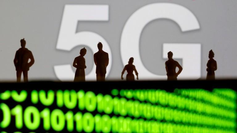 """РТ: """"Трка коју морамо добити"""": Америчке службе очајнички желе да победе Кину у 5G технологији"""