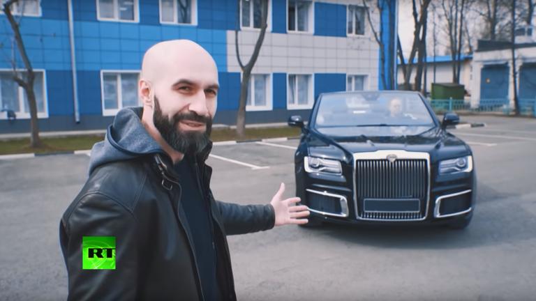 """РТ се провозао у парадној верзији """"Путинове лимузине"""""""