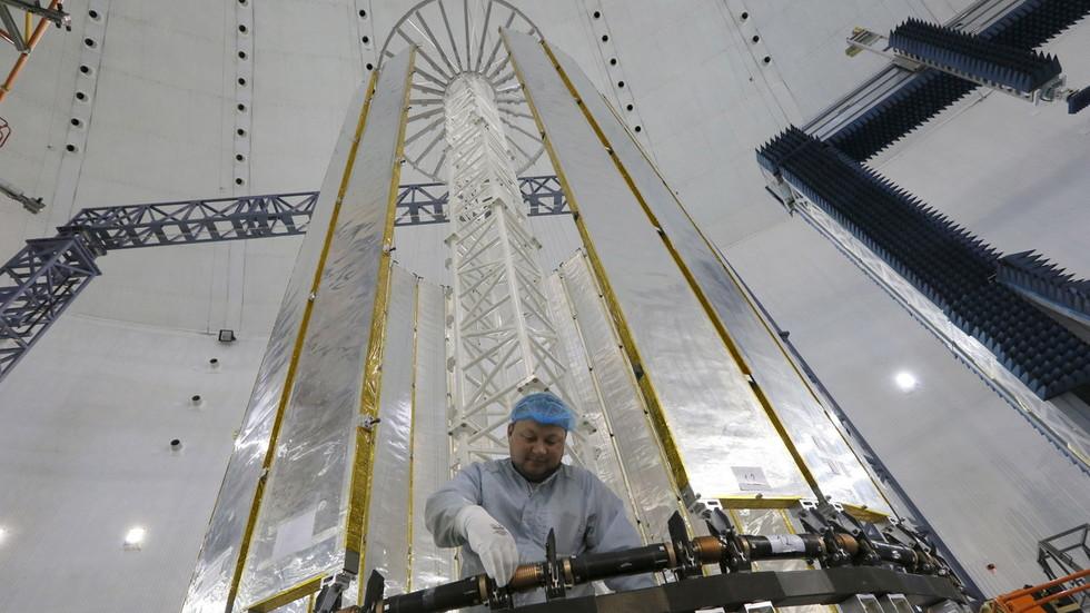 РТ: Руски сателити би ускоро могли постати невидљиви са Земље