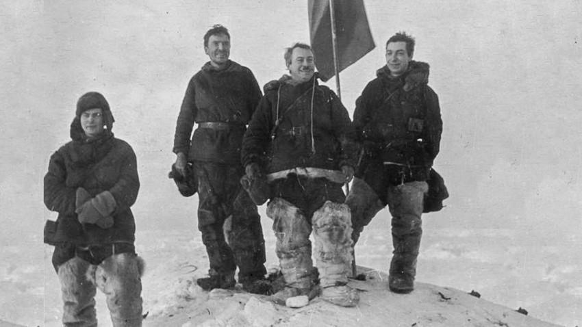 Како су совјетски научници 274 дана плутали на санти леда