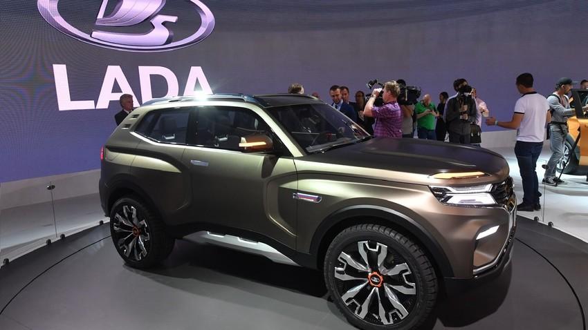 """""""Автоваз"""" пустио у продају модернизовани џип Lada 4x4"""