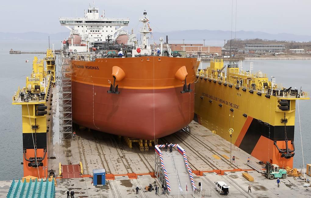У Русији поринут први танкер на гасни погон