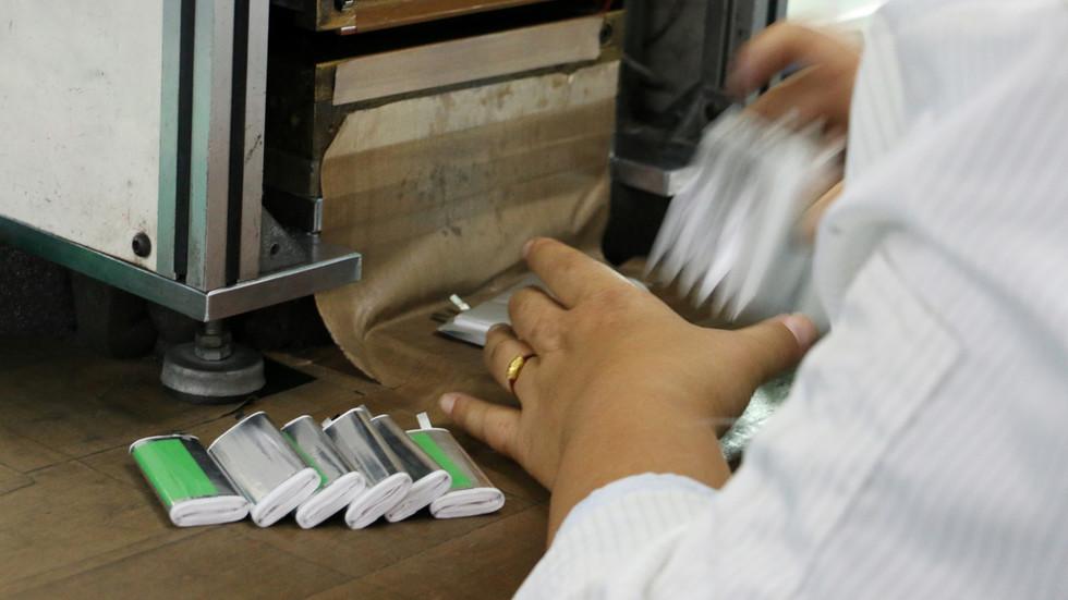 """RT: Ruski i nemački naučnici razvili """"natrijum sendvič"""" koji bi mogao zameniti litijumske baterije"""