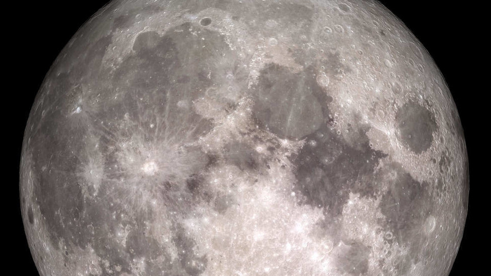 RT: Mesec tajanstveno rđa uprkos nedostatku vazduha i tečne vode