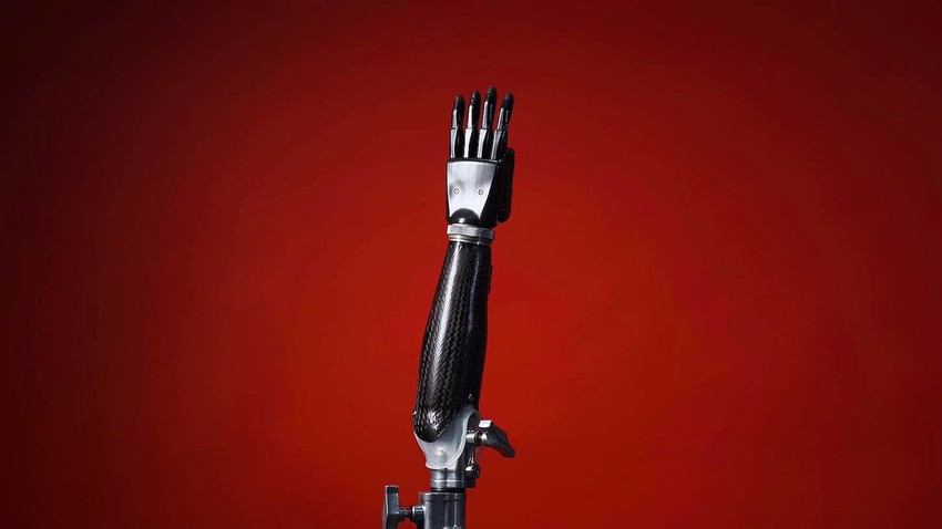 Нова руска протеза за руку враћа осећај додира
