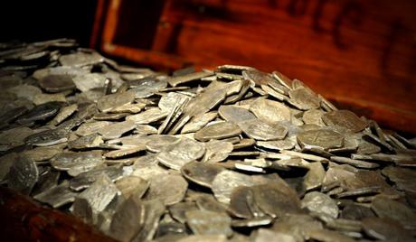 У Кини нашли три и по тоне старих монета