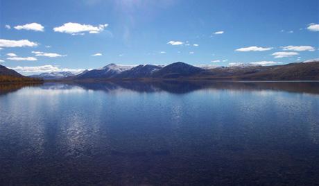 Рекордно понирање у језеро на полу хладноће