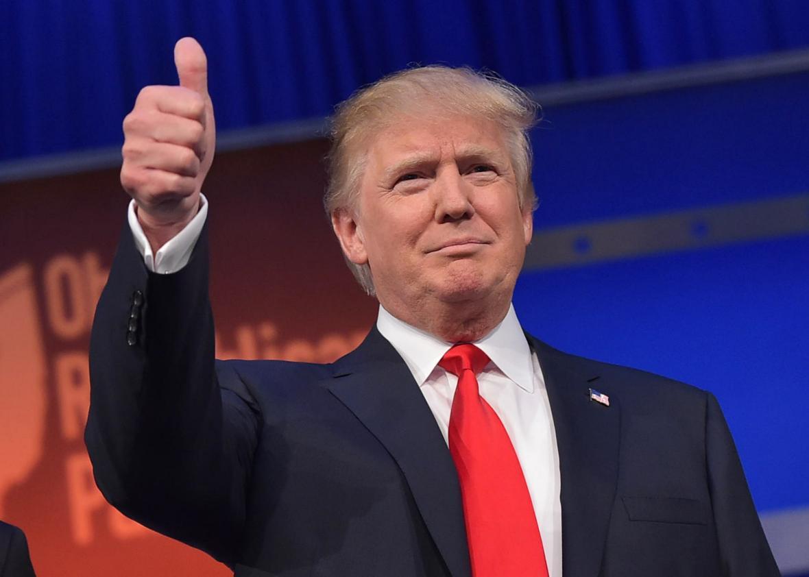 Трамп честитао победу Макрону