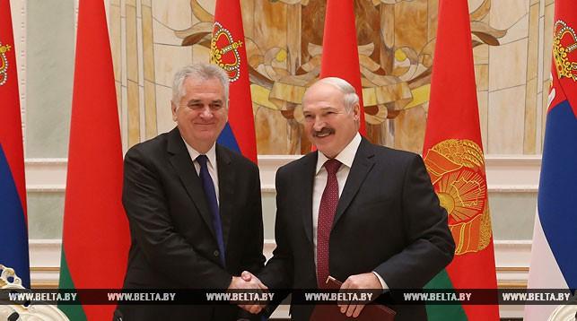 Лукашенко уручио Николићу орден Пријатељства народа