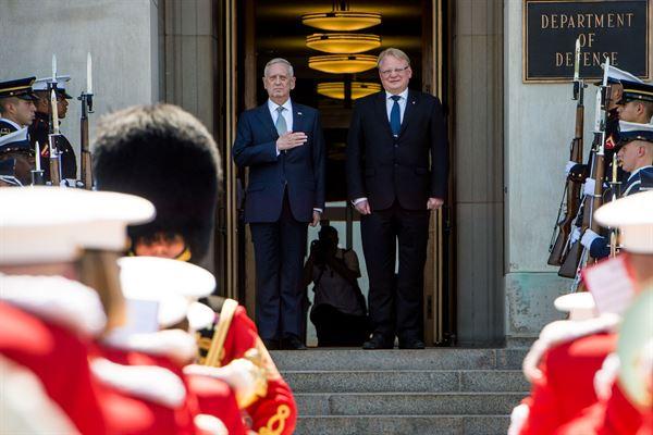 Министар одбране Шведске: Русија је највећи изазов
