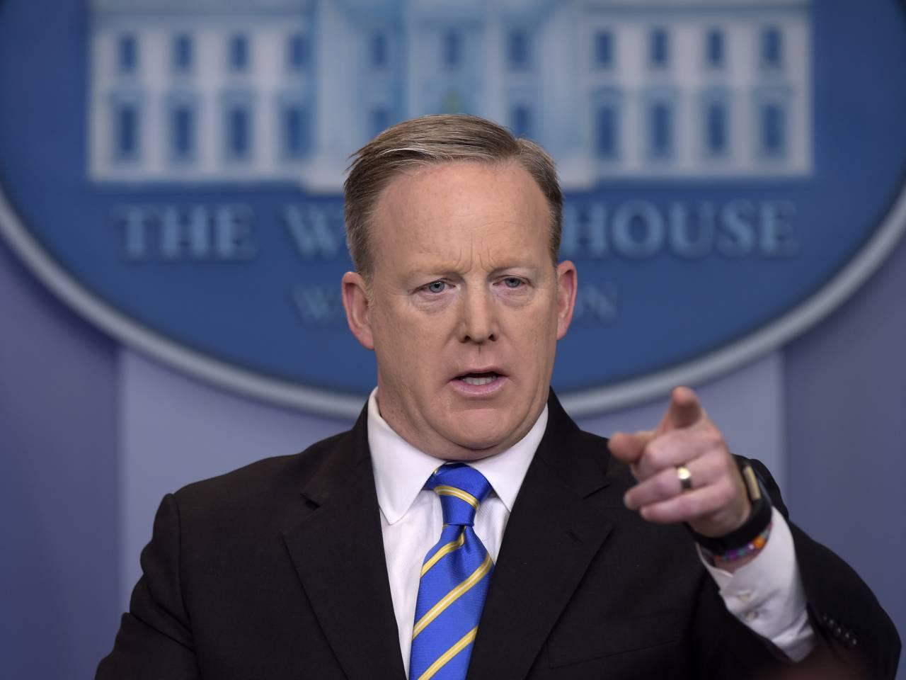 Спејсер: Не искључујем састанак Путин и Трампа на самиту Г20