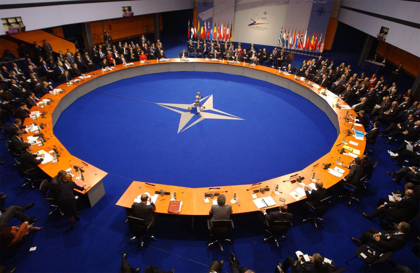 НАТО: Супротставићемо се Русији на сваком нивоу