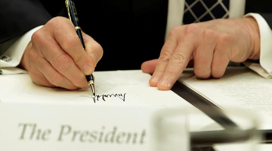 РТ: Трамп потписао наредбу којом се санкционишу банке које тргују са Пјонгјангом