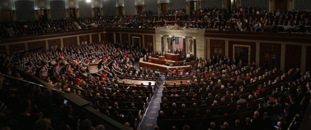 """Сенатори САД представили закон којим се предвиђа увођење строгих санкција за """"мешање"""" у изборе"""