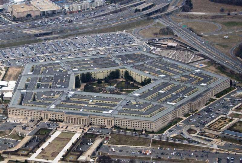 """""""Демократија"""": Дипломате САД ће бити те који ће одлучити шта ће се догодити у Сирији - Пентагон"""
