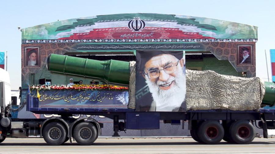 """РТ: Иран упозорио САД одговором """"јачим него што могу да замисле"""" ако Трамп напусти нуклеарни споразум"""