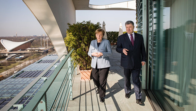 Меркелова: Врло јасни докази да је примењено хемијско оружје у Сирији