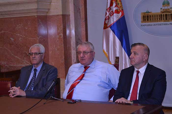 Шешељ: Србија je морала да осуди напад на Сирију