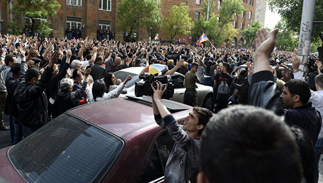 Опозиција наставља протесте у престоници Јерменије