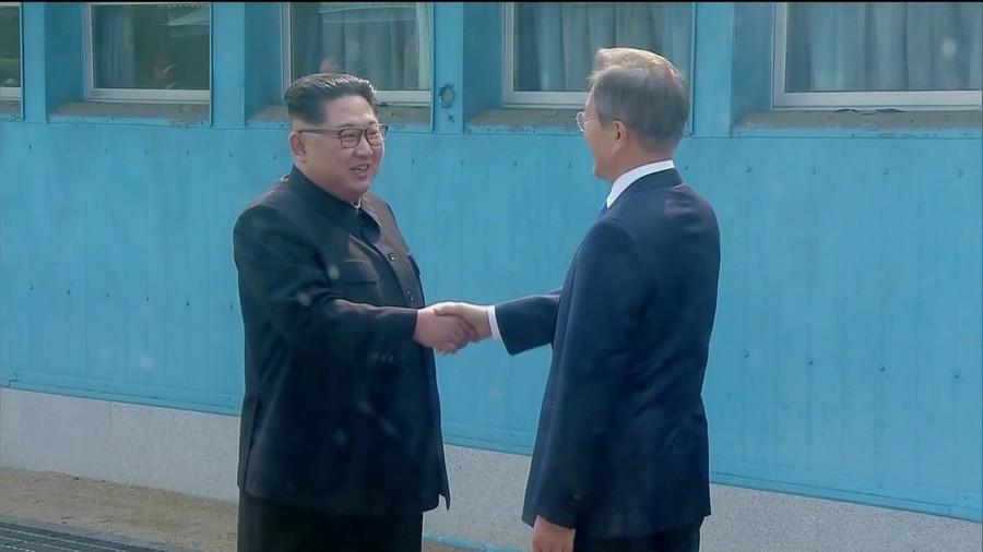 РТ: Историјски сусрет председника Северне и Јужне Кореје