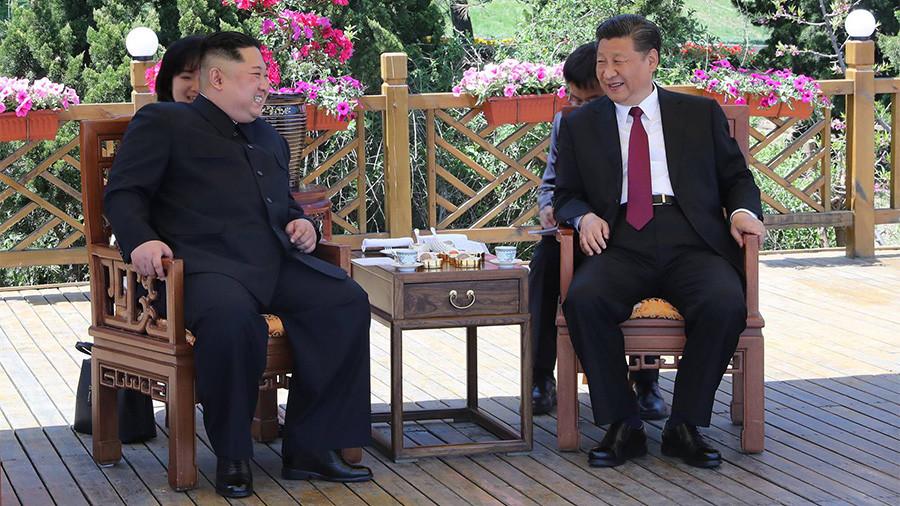 РТ: Сусрет Ким Џонг Уна и Кси Ђинпинга после историјског међукорејског споразума