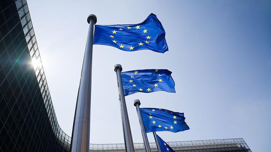РТ: Европа се више не може ослањати на заштиту САД-а - Меркелова