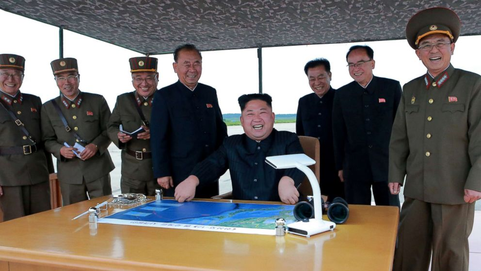 Трамп: Ким Џонг Ун ће бити заштићен ако пристане на денуклеаризацију своје земље