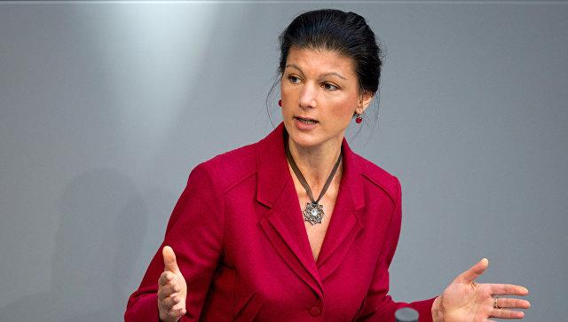 Сара Вагенкнехт: САД потрошиле пет милијарди долара како би свргнуле власт у Украјини
