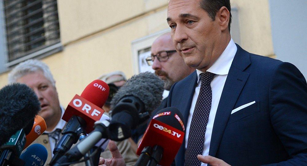 Штрахе: ЕУ треба да се угледа на аустријску миграциону политику
