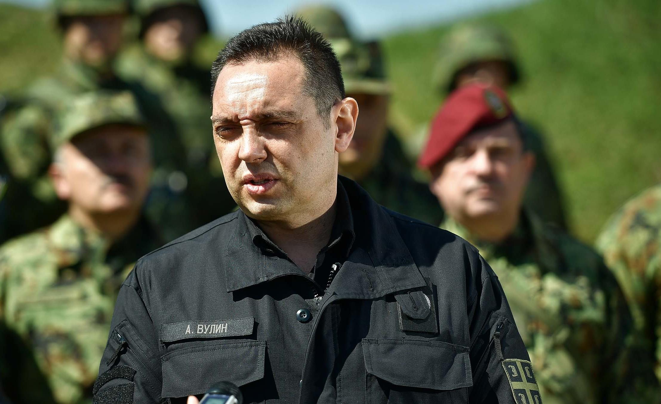Вулин: Када Црна Гора шаље официре у мисију на теритoрији Србије, основни ред је да и нас пита
