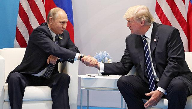 """Трaмп назвао """"глупим"""" помоћнике који су му саветовали да не зове Путина"""