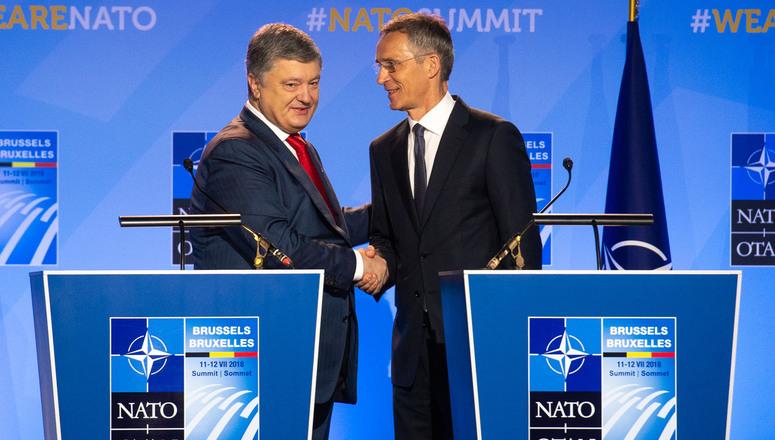 Порошенко рачуна на подршку НАТО за увођење мировних снага у Донбас