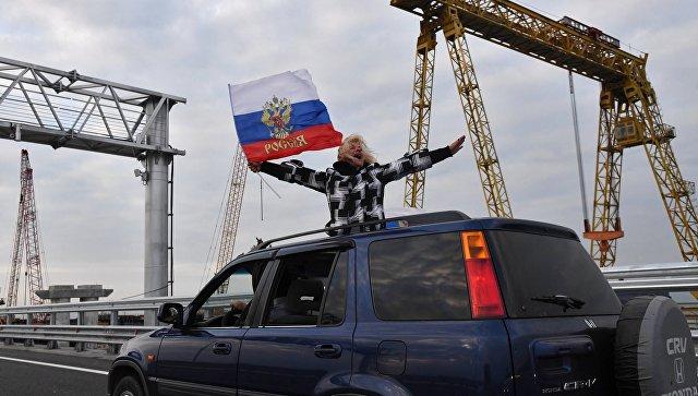 Порошенко: ЕУ ће увести санкције против шест особа укључених у илегалну изградњу Кримског моста