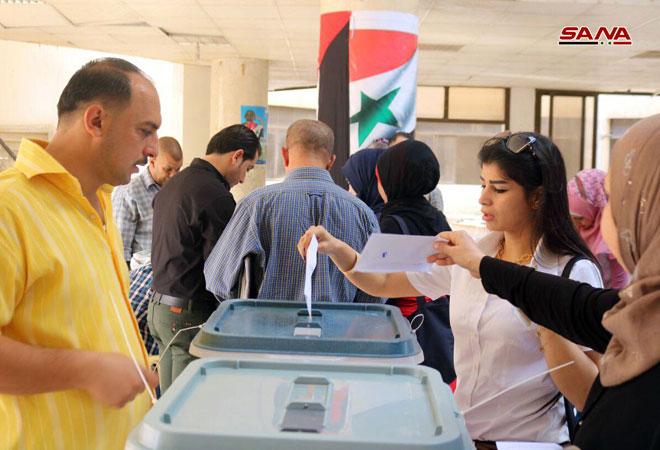 РТ: Сиријци гласају на првим локалним изборима после седам година рата