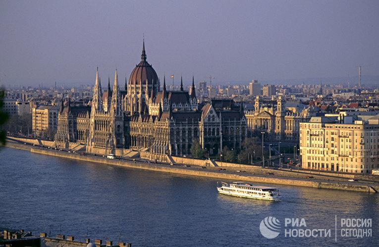 Украјина и Мађарска међусобно протерују конзуле