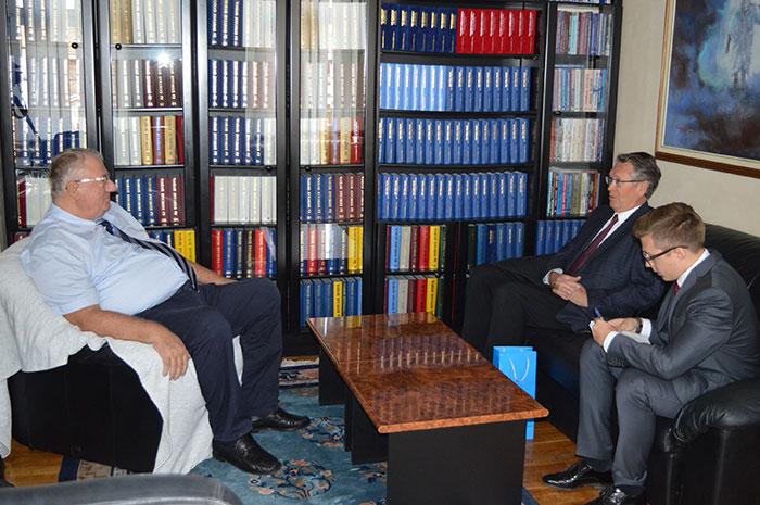 Руски амбасадор Александар Чепурин посетио Српску радикалну странку